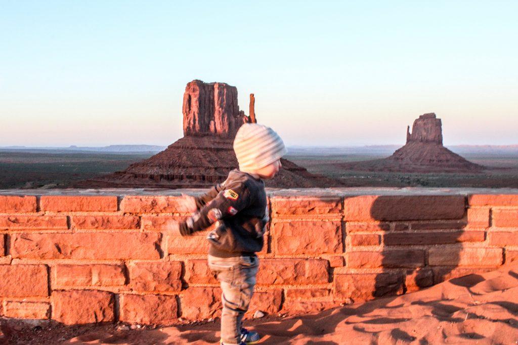 monument valley con bambini, trovare il volo